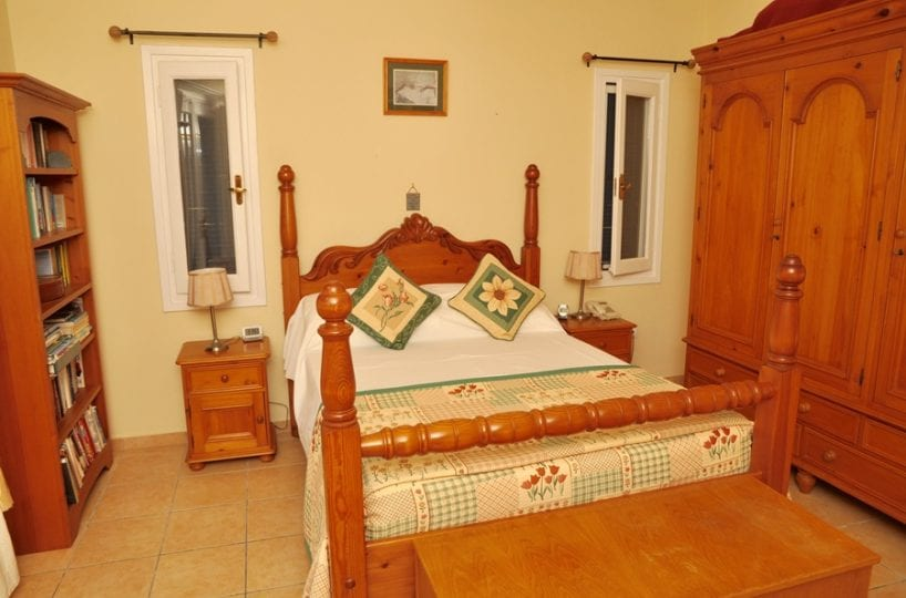 villa for sale on Andros