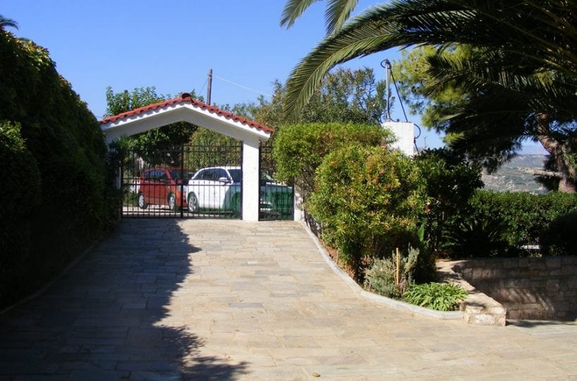 villa for sale on the Gulf of Corinth
