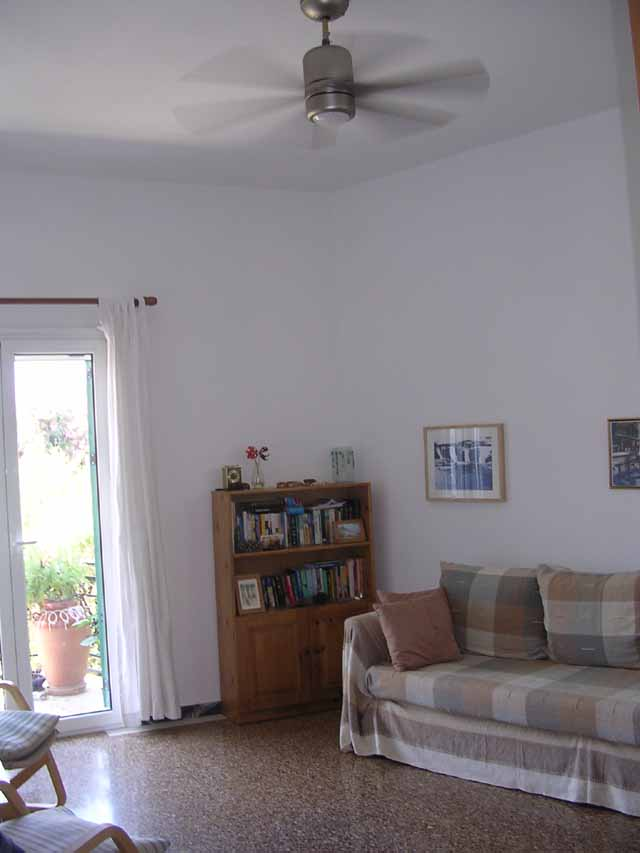 Poros renovated apartment