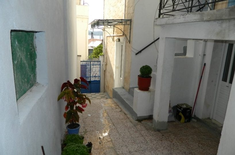 renovated house in Poros old town