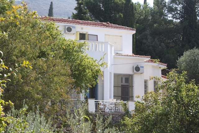 TRADITIONAL SAMOS HOUSE