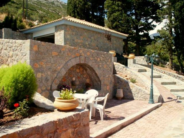 luxury villa near Arachova