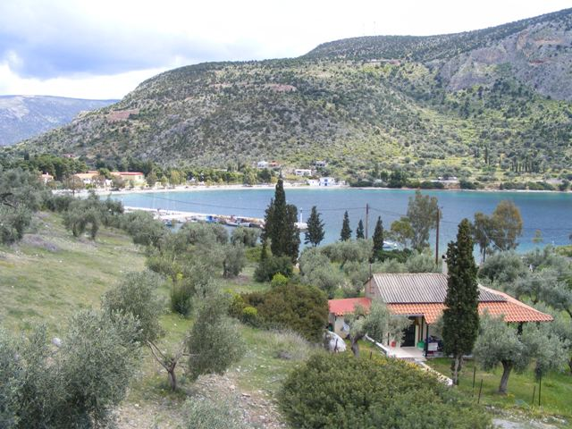 Gulf of Corinth villa with sea view