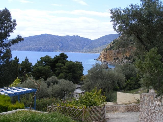 Gulf of Corinth villa with sea view
