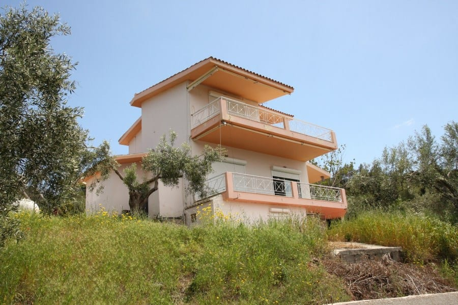 villa overlooking gulf of Corinth