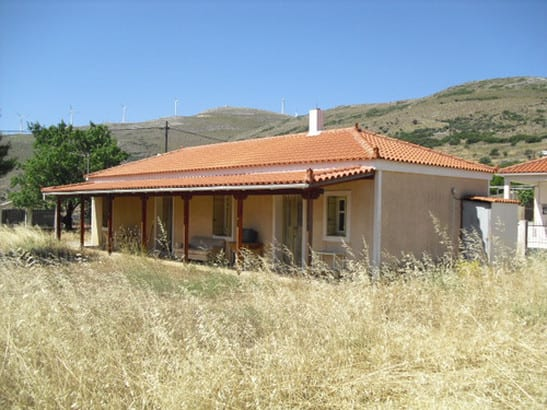 Evia house with development potential