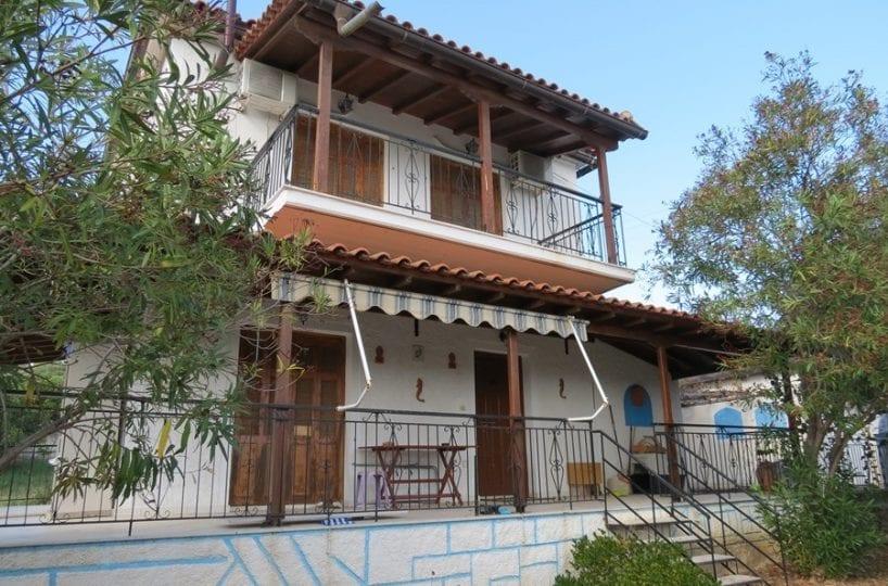 Koroni Episcopi house near beach