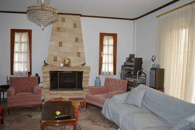 Anavyssos country villa